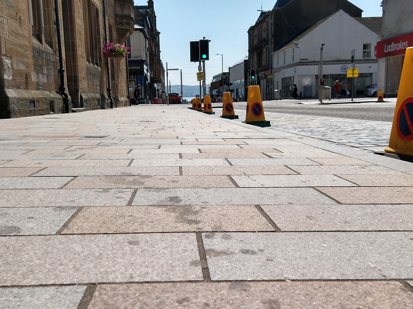 A dirty pavement on Sinclair Street, Helensburgh